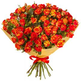 35 кустовых роз оранжево-красных