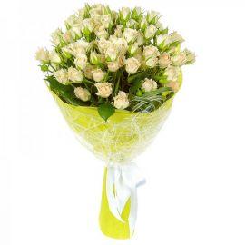15 кустовых роз белых