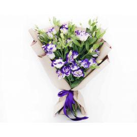 19 эустом бело-фиолетовых