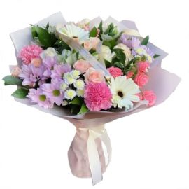 4 гвоздики 3 кустовых розы 3 альстромерии 2 хризантемы кустовые