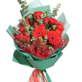 5 роз 3 розы кустовые 3 герберы