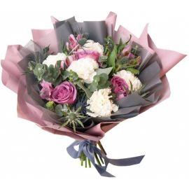 5 гвоздик 4 розы 2 альстромерии