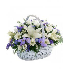 5 хризантем кустовых 5 эустом 3 фрезии 1 лилия статица