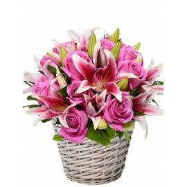 13 роз 2 лилии