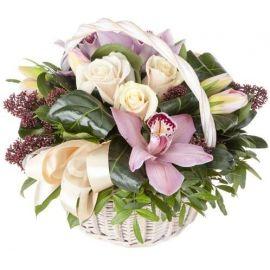 5 альстромерий 3 розы 3 орхидеи