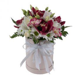 5 орхидей 2 розы кустовые 2 хризантемы кустовые 2 эустомы 2 фрезий