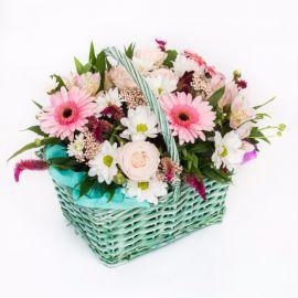 7 альстромерий 5 эустом 3 герберы 3 хризантемы кустовых 3 розы