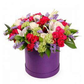 9 кустовых роз 5 роз 1 лилия статица