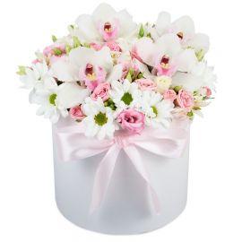 5 орхидей 4 розы кустовые 3 альстромерии 2 хризантемы кустовые 2 эустомы