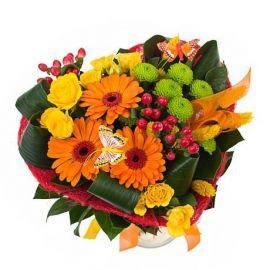 4 розы кустовые 3 герберы 1 хризантема сантини