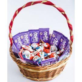 Корзинка сладостей Milka Kinder