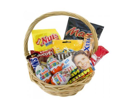 Корзинка сладостей Nestle, Kinder